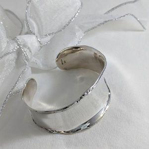 Romantic Sterling silver cuff